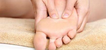 Bolle d'acqua sui piedi: il miglior modo di trattarle
