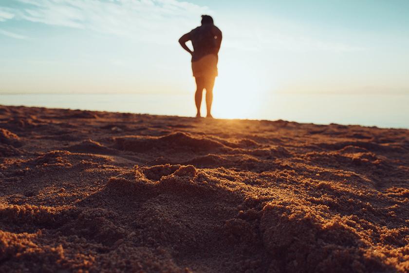 correre sulla spiaggia con o senza scarpe da running, consigli